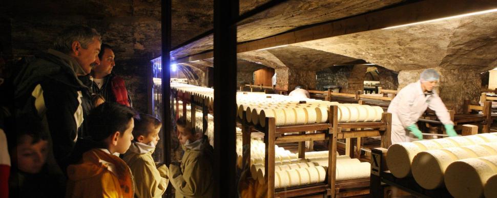 Tourisme Roquefort – la visite des caves de Roquefort | Tourisme ...