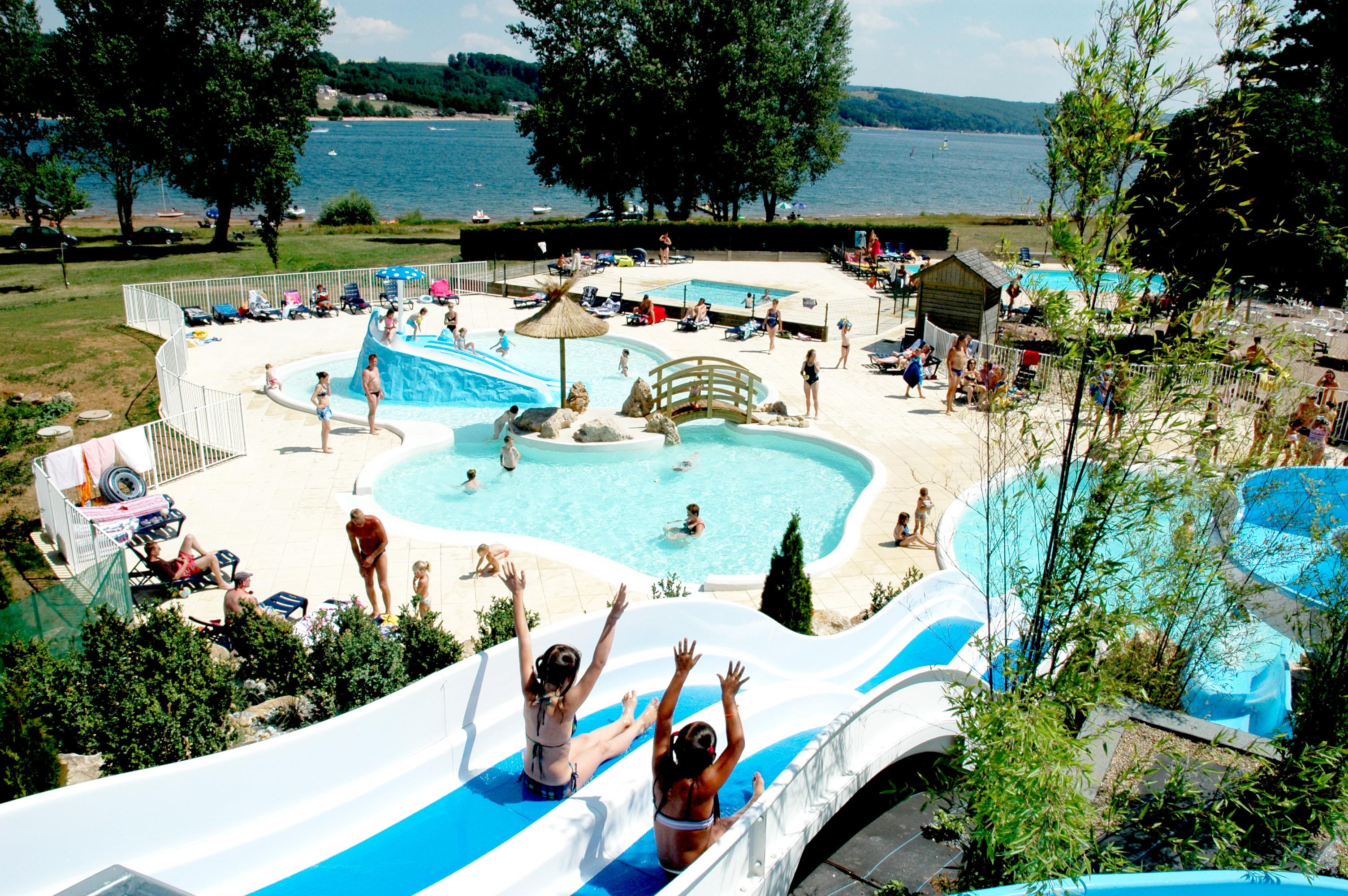 Tourisme monts et lacs du l v zou en aveyron guide for Vacances en aveyron avec piscine